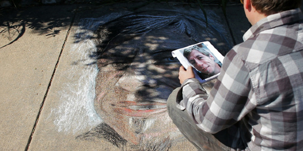 Jeremiah Teutsch draws Chuck Ramirez photo by Mark Walley
